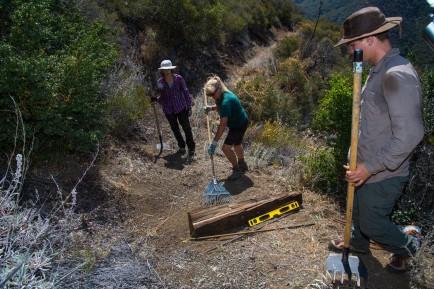 chc_dagger_trail_work_natl_trails_day